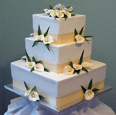 Square White Wedding Cakes